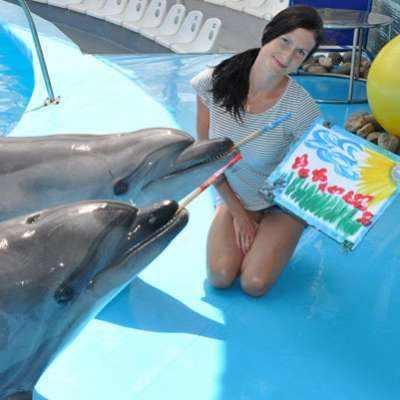 dolphin therapy specialist Yekaterina Pelipenko, photo therapynemo.com